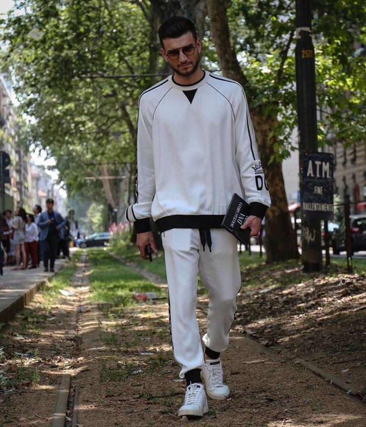 5 cara memakai baju oversized ala streetwear untuk pria