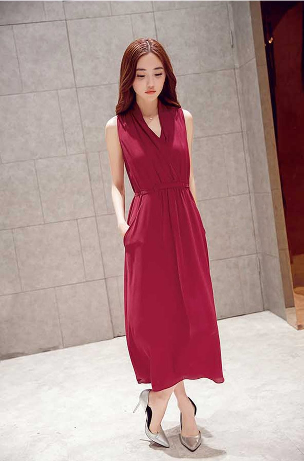 baju dress panjang tanpa lengan modern model v neck a3245 1