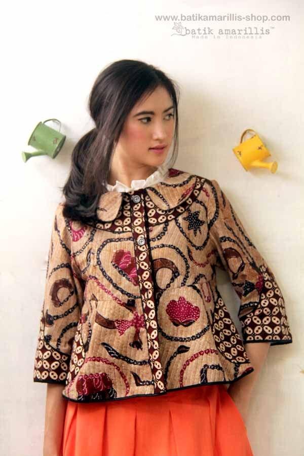 model dan varian baju batik modern untuk wanita
