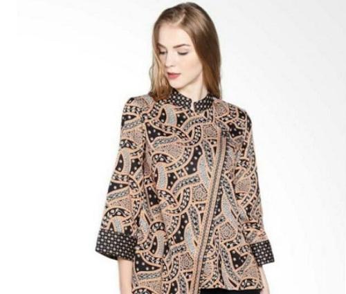 tips memilih model baju batik modern wanita agar terlihat