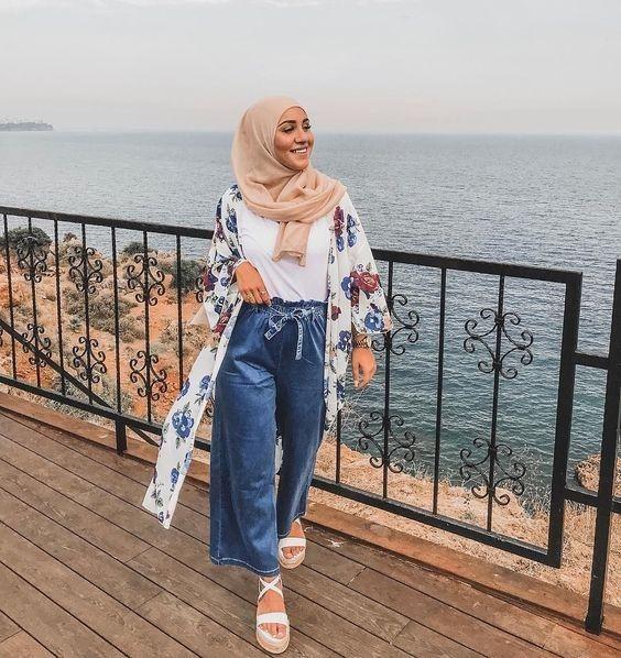 9 potret ootd hijab dan kulot jeans keren sekaligus