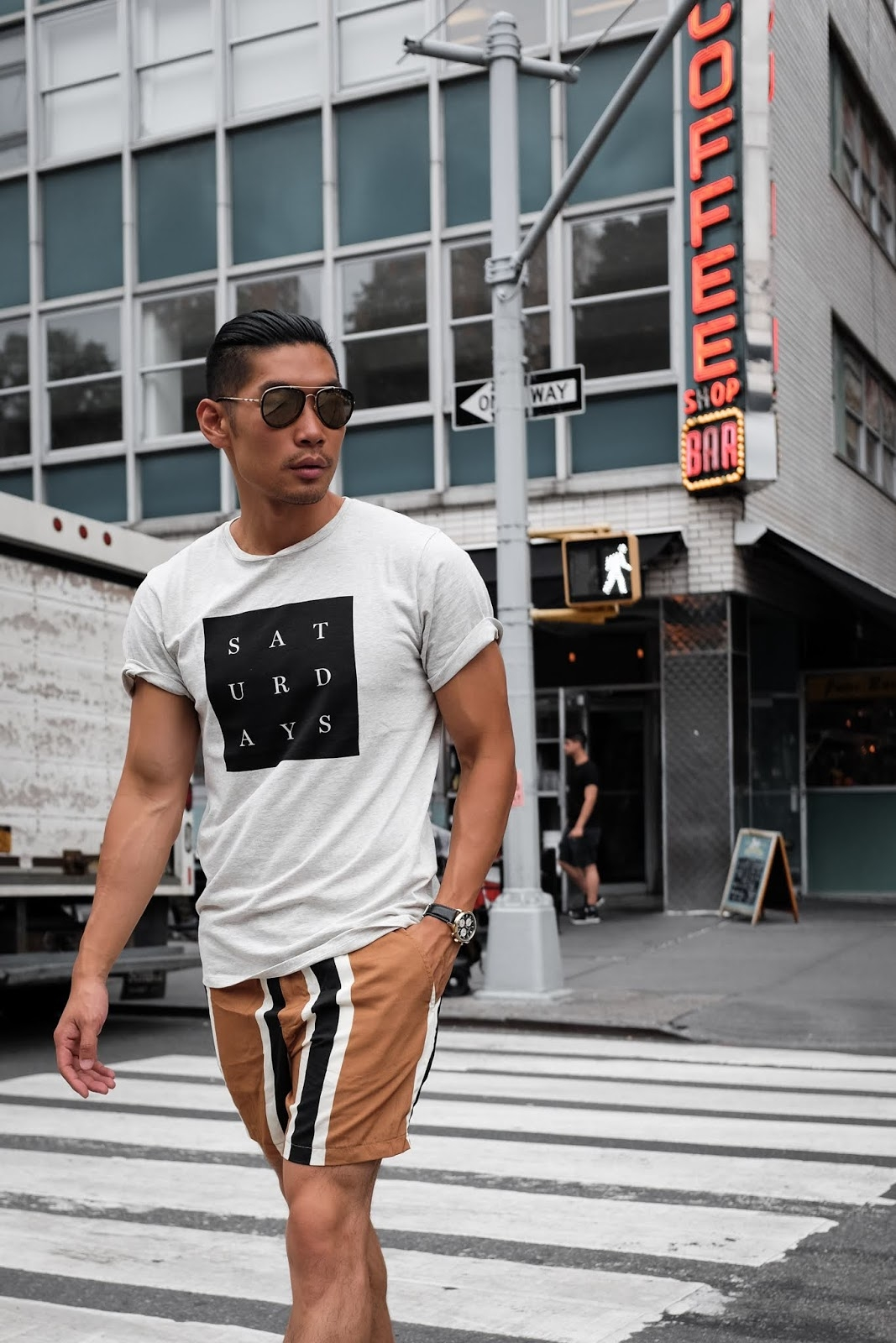how to wear striped shorts 2 ways mens summer fashion