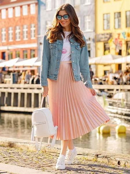 inspirasi ootd rok plisket agar terlihat modis dan 2
