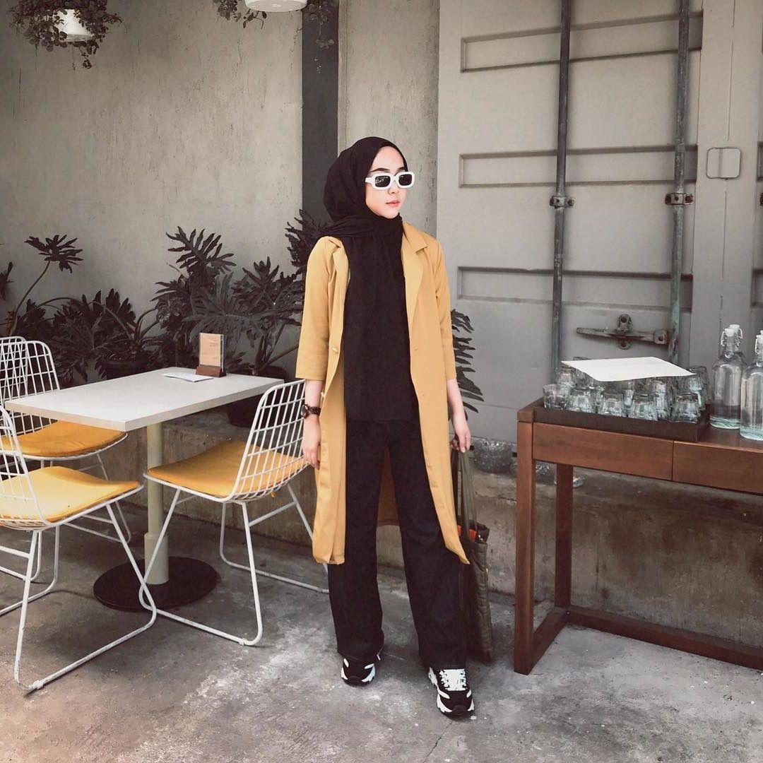 ootd hijab celana kulot hitam hijab casual