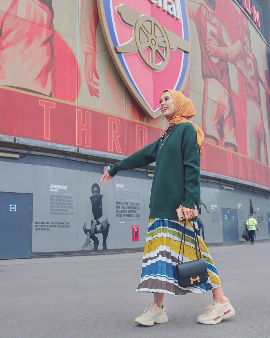 ootd hijab rok plisket ala selebgram iymel wokeid