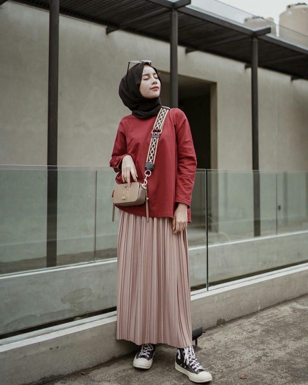 ootd hijab rok plisket hitam hijab muslimah