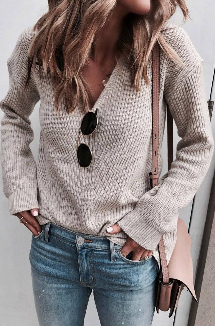 ootd sweater bag skinny jeans fashion cool
