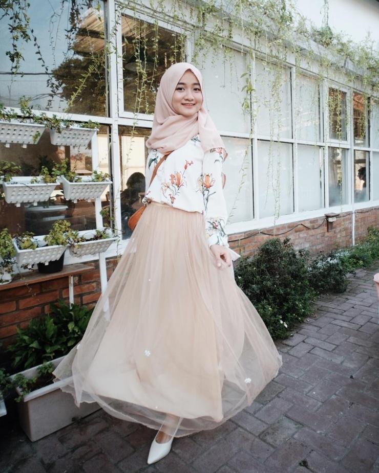 paling inspiratif ootd hijab simple rok tutu scilla blogs