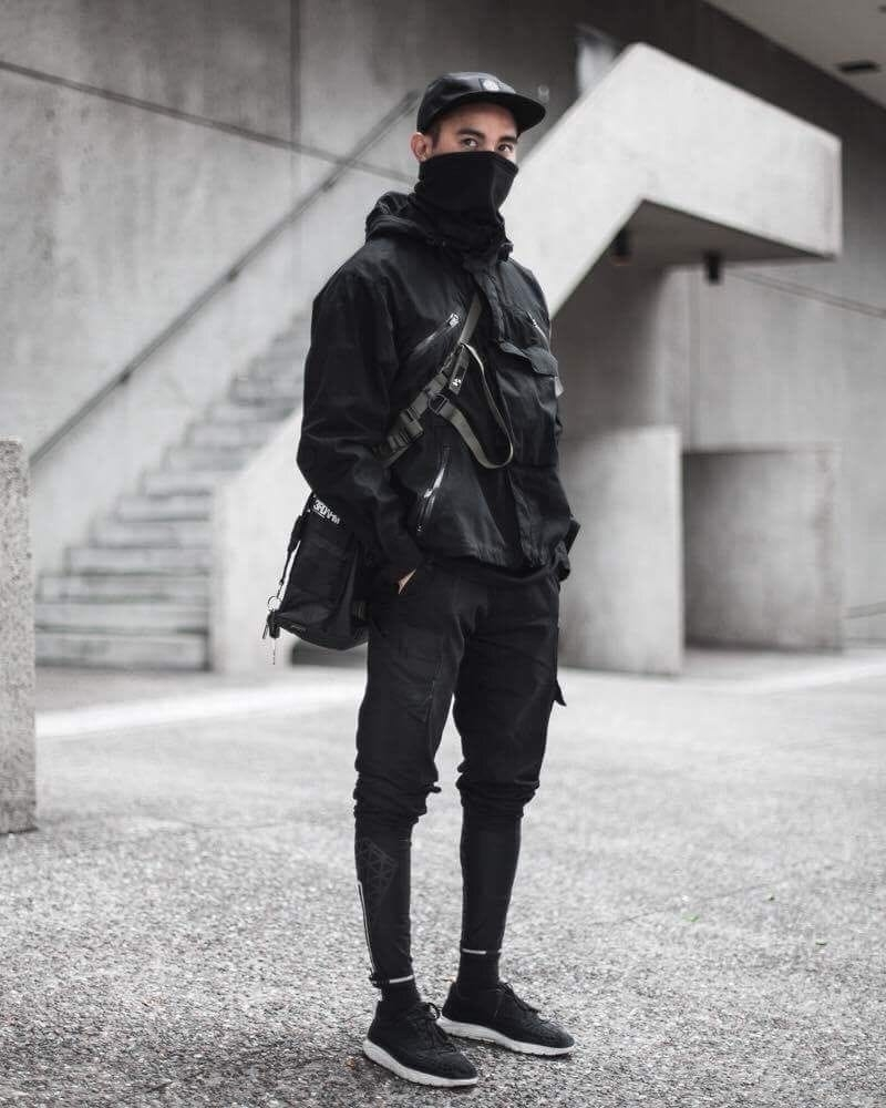 urban techwear outfit styles of man
