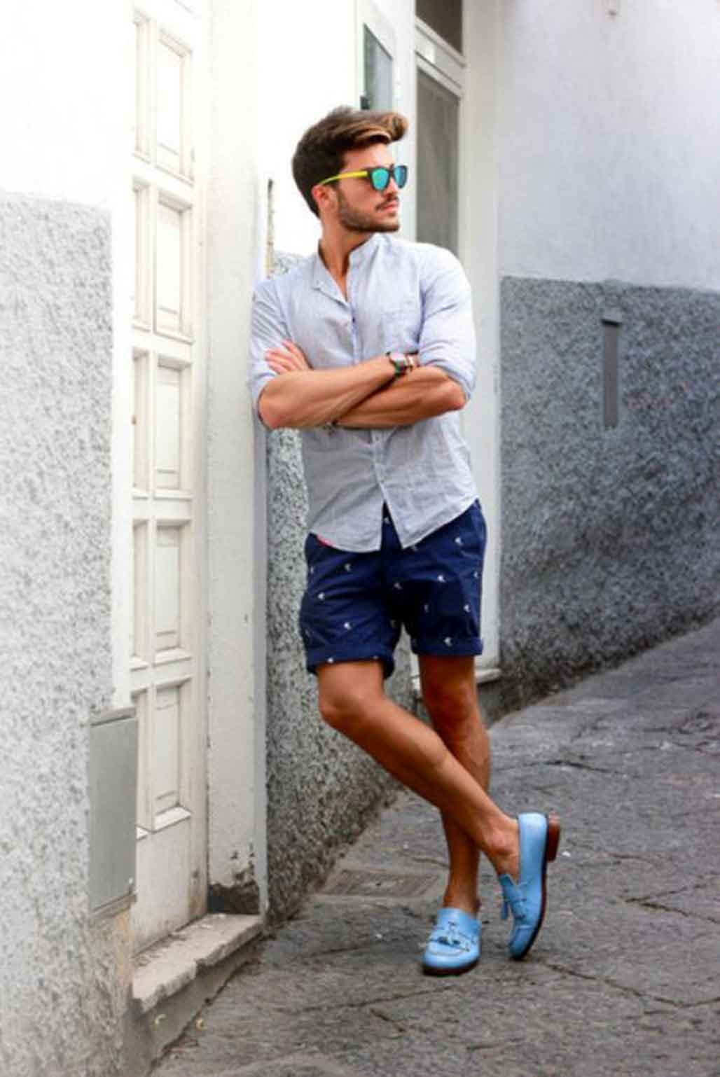 what are the perfect shoes to wear with shorts mens
