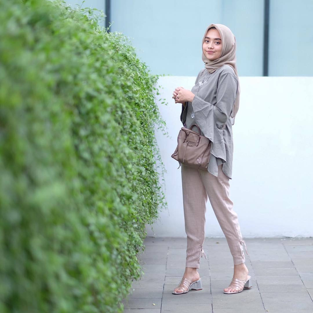 gambar style hijab casual warna pastel terbaru styleala