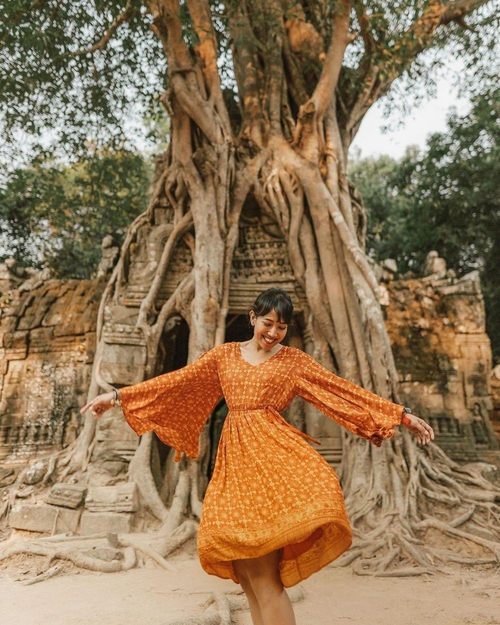 ootd ala travel blogger anggey anggraini berita terbaru