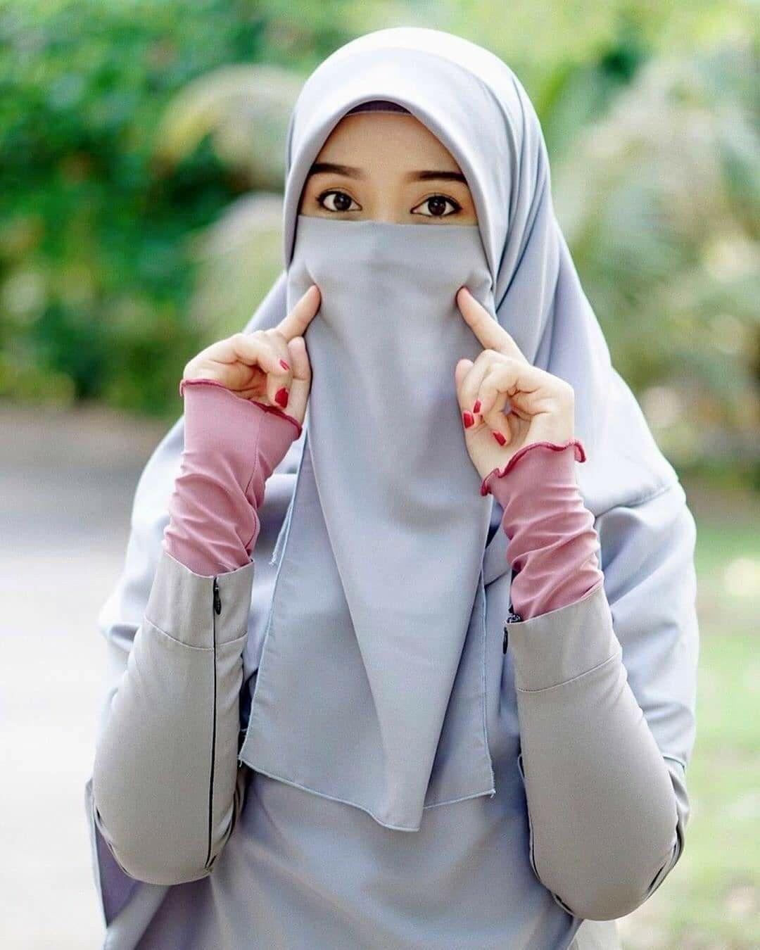 pin oleh kartika sengar di elegant wanita jilbab muslim