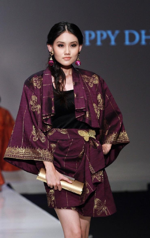 5 inspirasi model baju batik yang stylish untuk dipakai