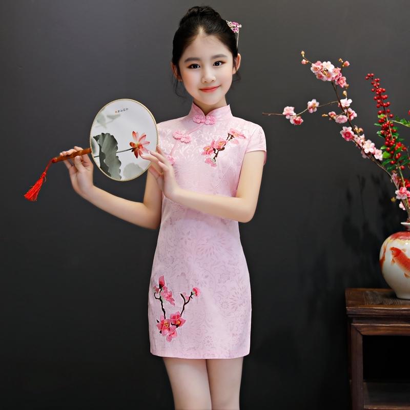 intip rekomendasi baju khas imlek untuk anak perempuan