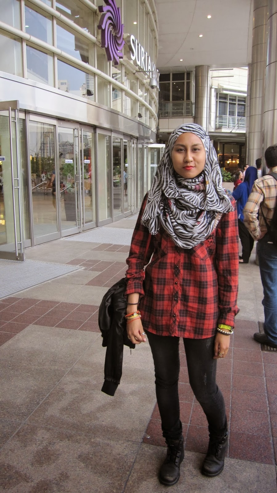 messy casual grunge and simple life klcc affordorable