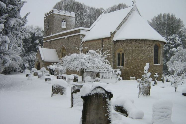 Checkendon Church with snow 2010