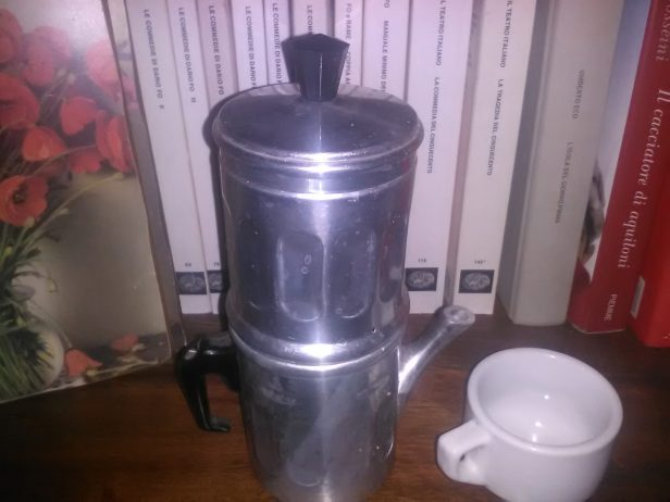Il caffè sospeso e la caffettiera napoletana