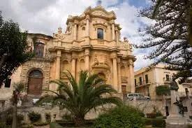 Noto, un viaggio in Sicilia.