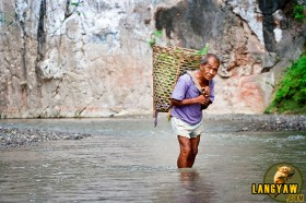 Bringing produce to the town is easier during the dry season.