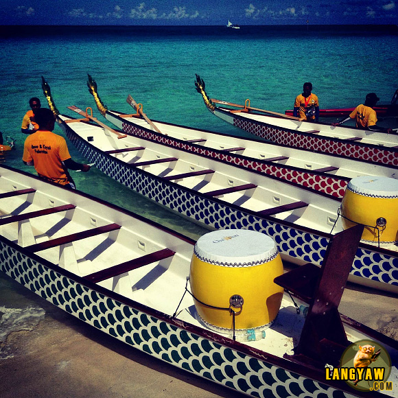 Dragon boats during the Boracay International Dragon Boat Festival 2013