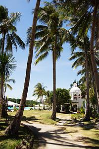 Sol Marina's beach side path that leads to Punta Bunga Beach