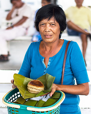 Charito, the bingka dawa vendor at the Balamban public terminal