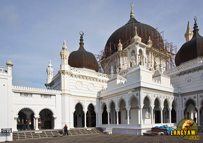 Closer look of the Masjid. Scaffolding works slightly marred this beauty when I visited it