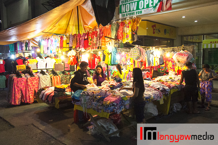 One of many clothes shop around the Tutuban Mall