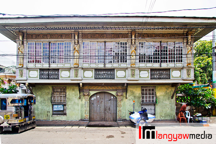 Malolos City in Bulacan is not only historic but it has lots of interesting ancestral houses and old churches