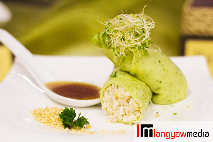 Lumpia presko made with soft wrappers mixed with malunggay