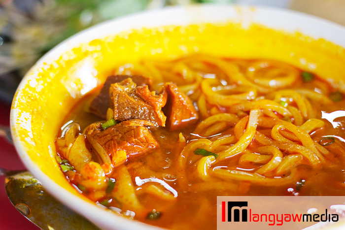 Beef stew noodles and medium sized noodles that's firm and filling