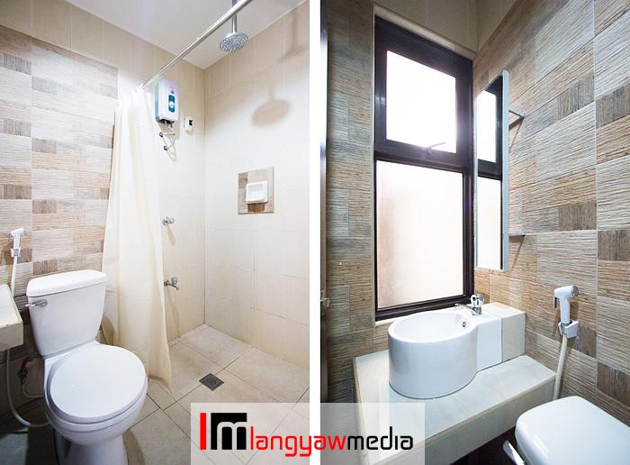 Toilet of my matrimonial deluxe room. I love the rain shower head!