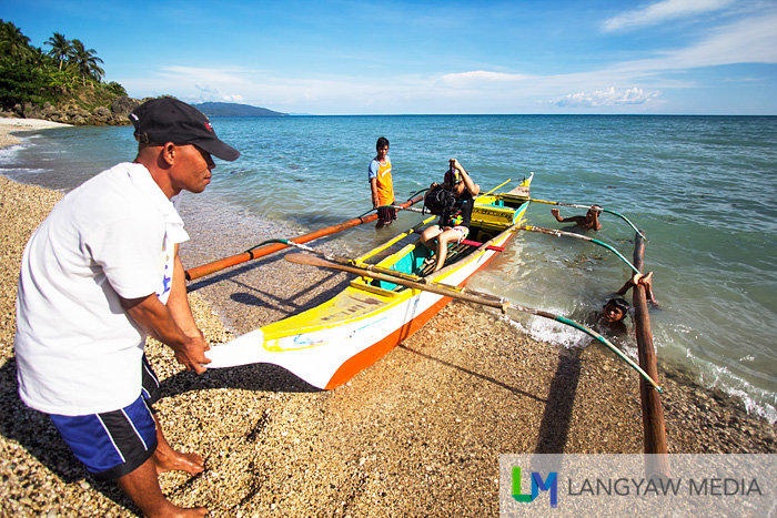 Hop and go boating around Bagolatao
