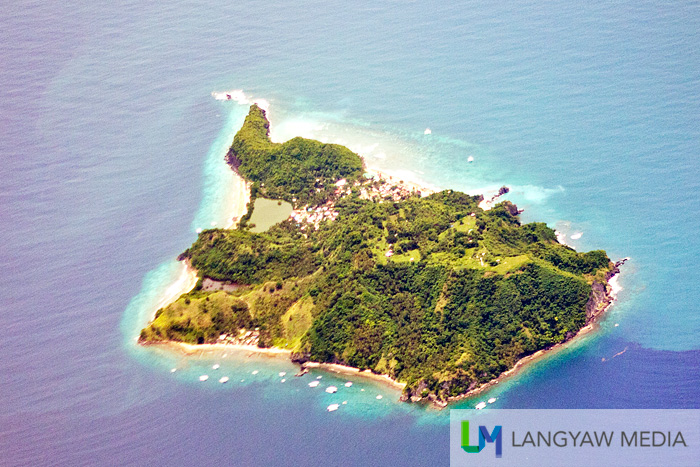 Small Apo Island as seen from above