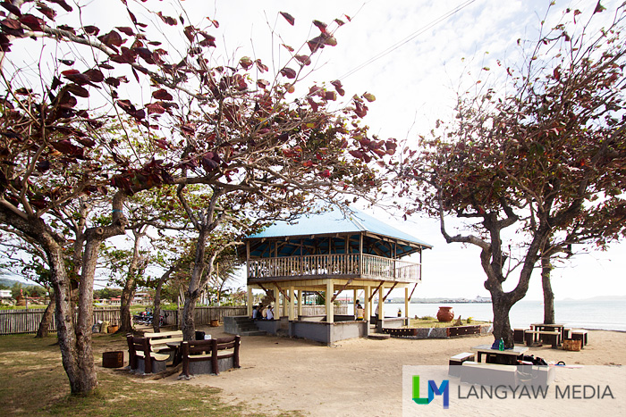 Beach structure, tables and benches