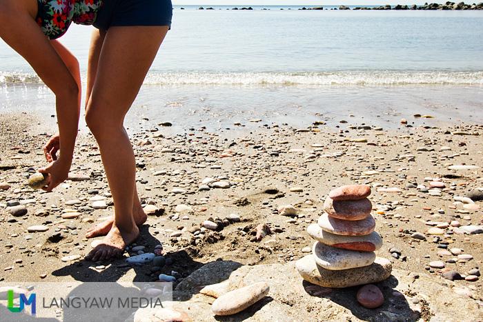 Corregidor stone balancing