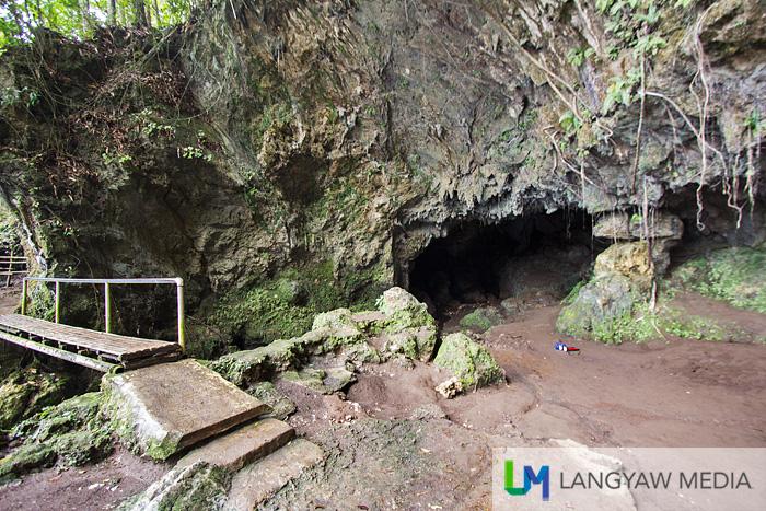 Suhot Cave entrance