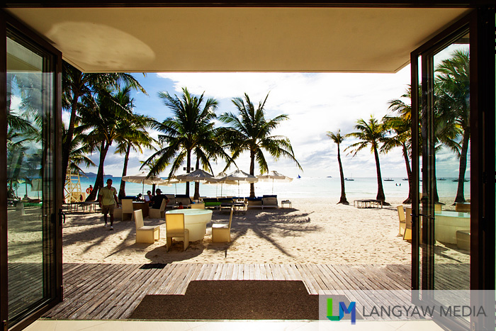 View from the lobby of Discovery Shores! It's just a few steps to the beach!