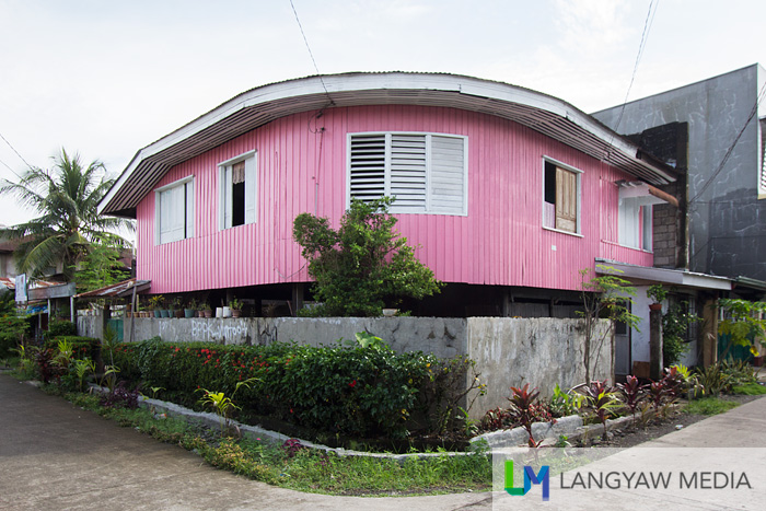 A pink house that just attracted my attention while going around the sidestreets of the city