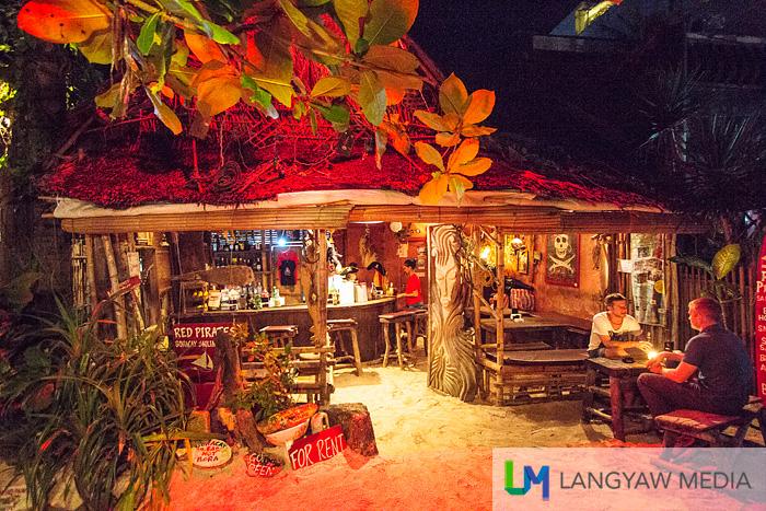 Red Pirates Bar