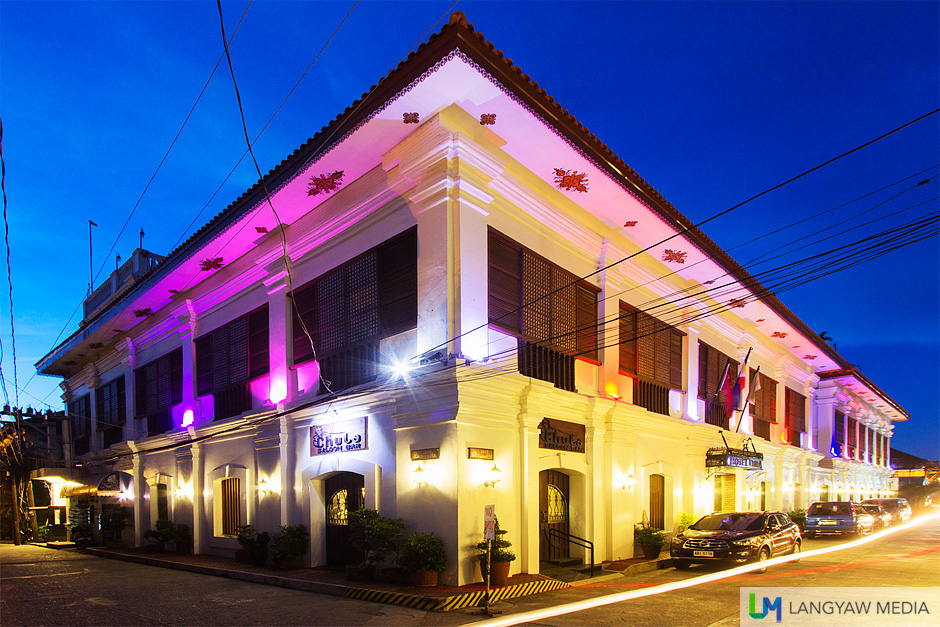 Hotel Luna is a beautiful heritage structure, one of the grand old houses in Vigan which has been converted into a hotel provides a memorable experience in the UNESCO World Heritage City