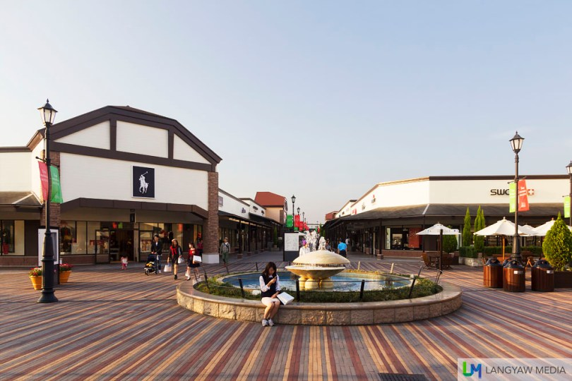 The Premium Outlets in Toki is a popular shopping area for branded goods and clothing