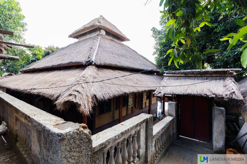 Traditional mosque architecure. The Sasak are Muslims, having converted to Islam in the 16th to 17th centuries.