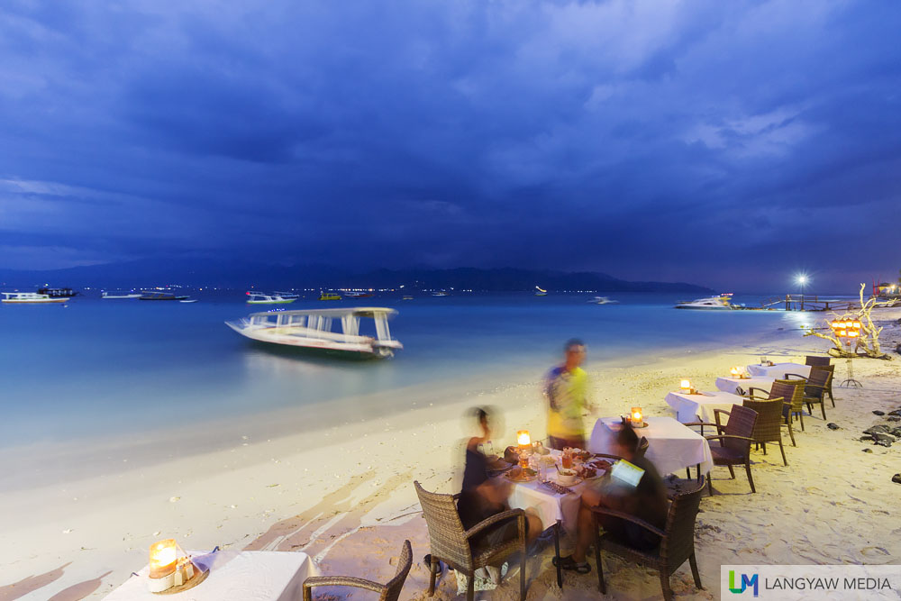 Dusk at the beachfront of Gili Trawangan where we had dinner at Scallywags Restaurant