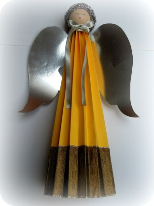 Amarillo plata