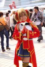 c84-day-1-cosplay-very-hot-indeed-24