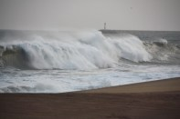 Powerful waves hit Hambantota coast