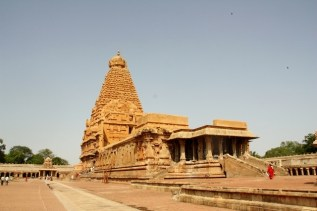 Main temple, peruvudaiyar Koyil