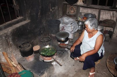 Local cooking with friends, Kyaing Ton